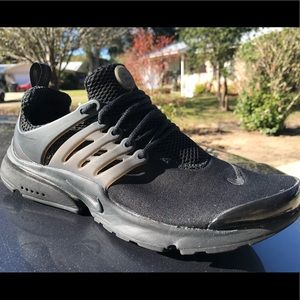 Nike Shoes - Triple Black Nike Presto's
